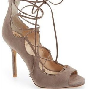 NEW Vince Camuto Sandria lace up heels taupe 7.5